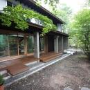 林の中の水平(軽井沢の別荘)