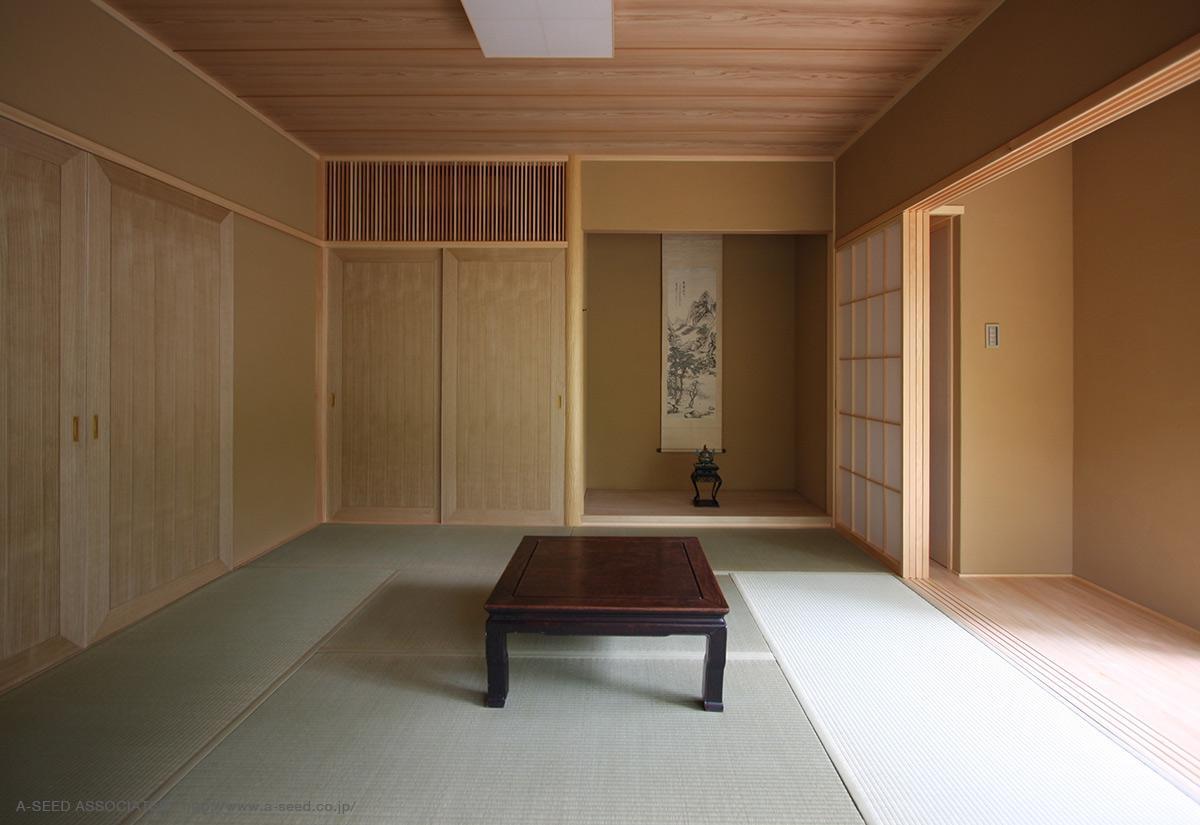林の中の水平(軽井沢の別荘)の部屋 落ち着きのある和室