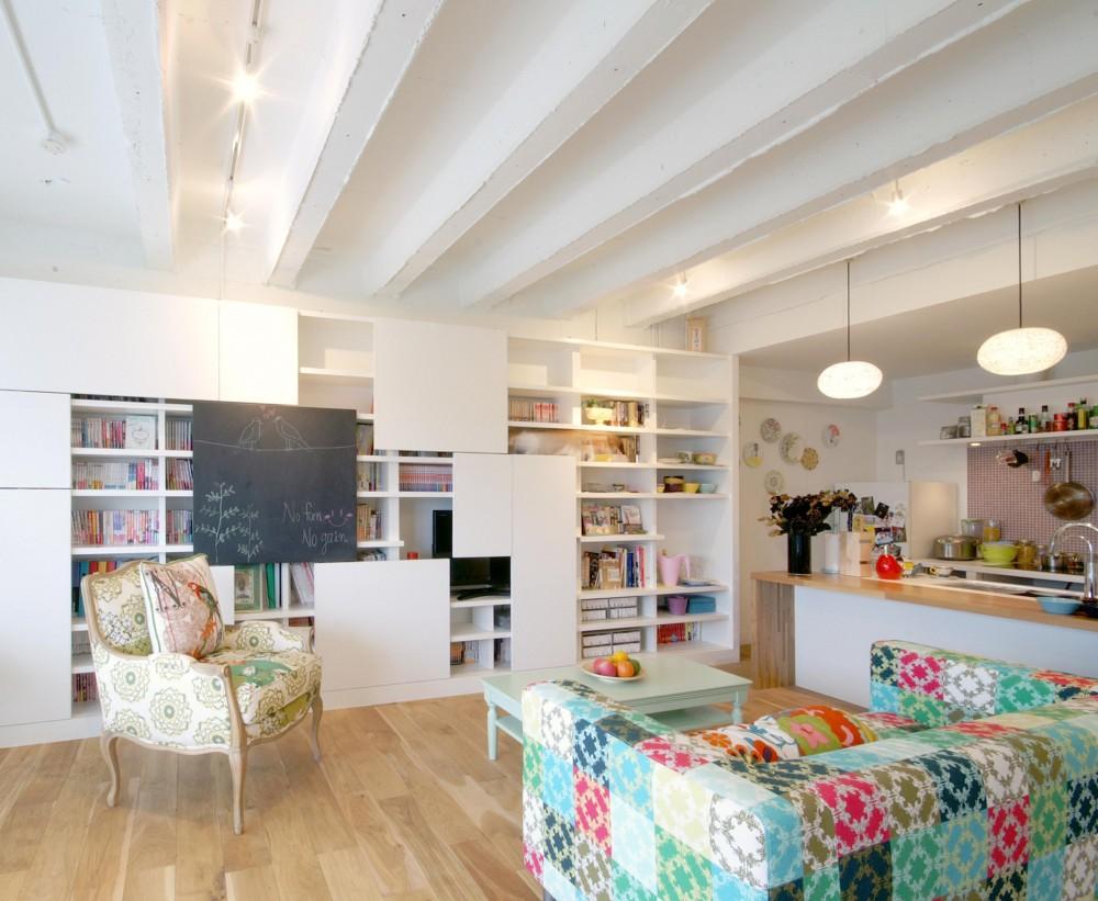 Glisse—個性的な家具に合わせた自分らしい空間 (リビング)