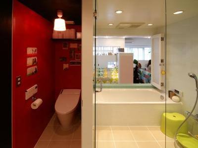 バスルーム (Glisse—個性的な家具に合わせた自分らしい空間)