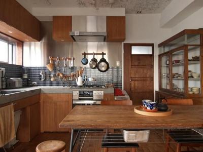キッチン (Doux-古道具の存在感が引き立つ家)