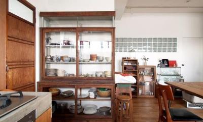 Doux-古道具の存在感が引き立つ家