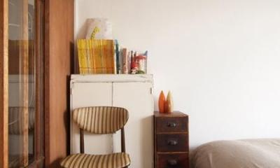 Doux-古道具の存在感が引き立つ家 (寝室)