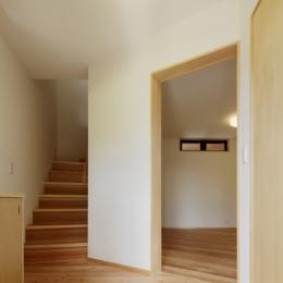 森に浮かぶ家 (玄関ホール)
