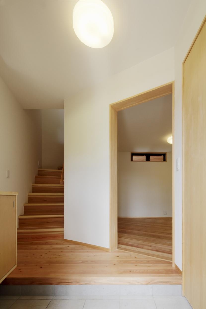 森に浮かぶ家の部屋 玄関ホール