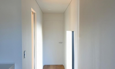 玄関・廊下|Y-HOUSE|豊かなリビング空間とテラスのあるRC平屋建て|