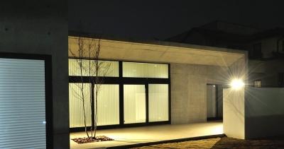 Y-HOUSE|豊かなリビング空間とテラスのあるRC平屋建て| (外観)