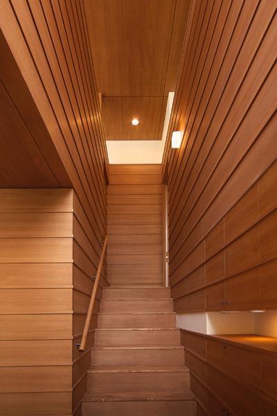 KAH 東西へ伸びる住宅の写真 玄関ホール