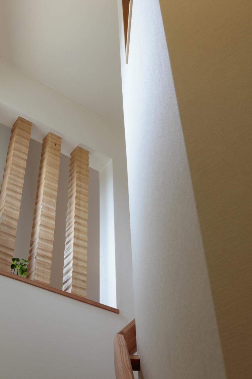森に浮かぶ家の部屋 階段1