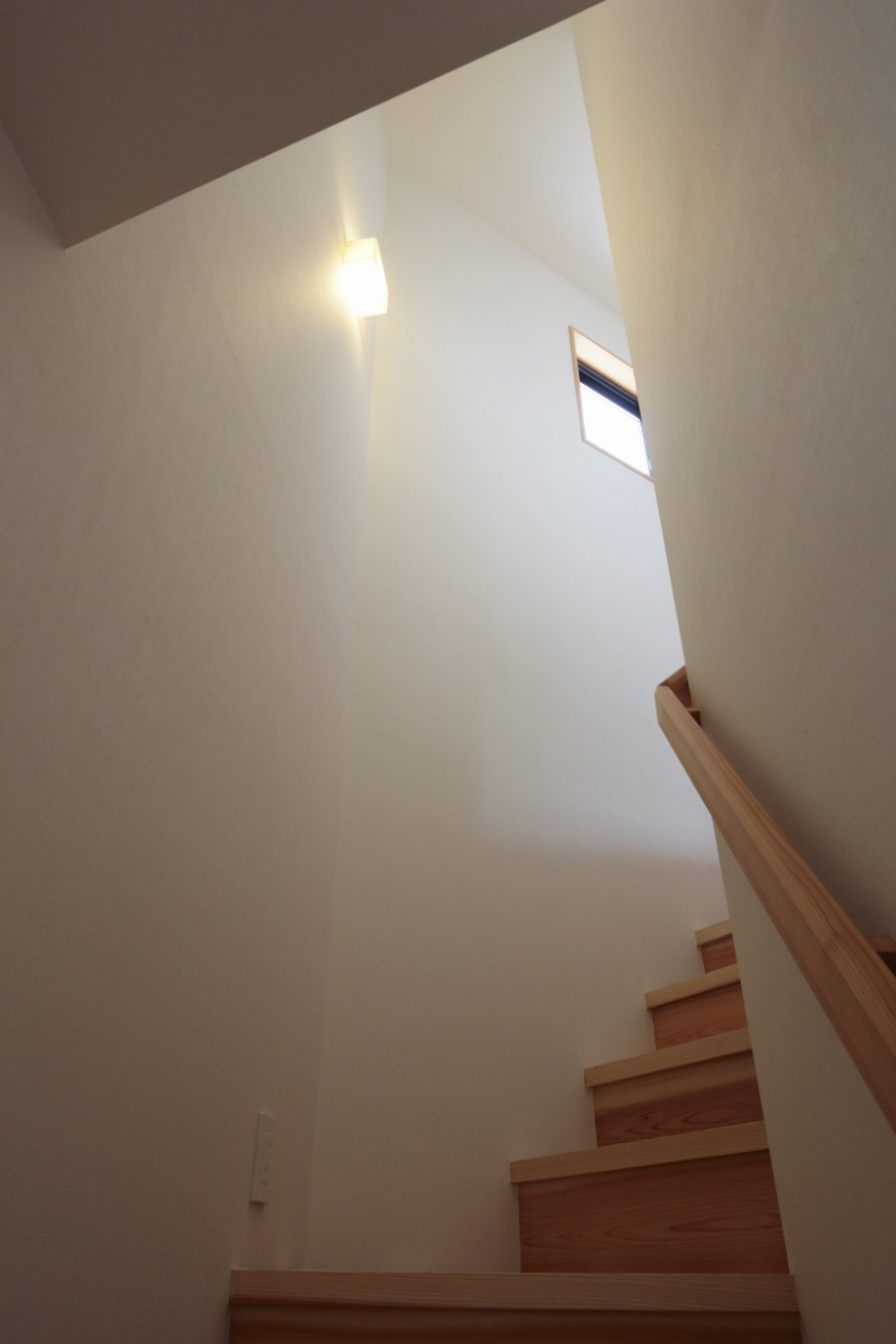 森に浮かぶ家の部屋 階段2