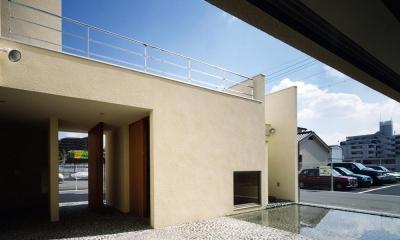 中庭と水盤のある家|上新田の家