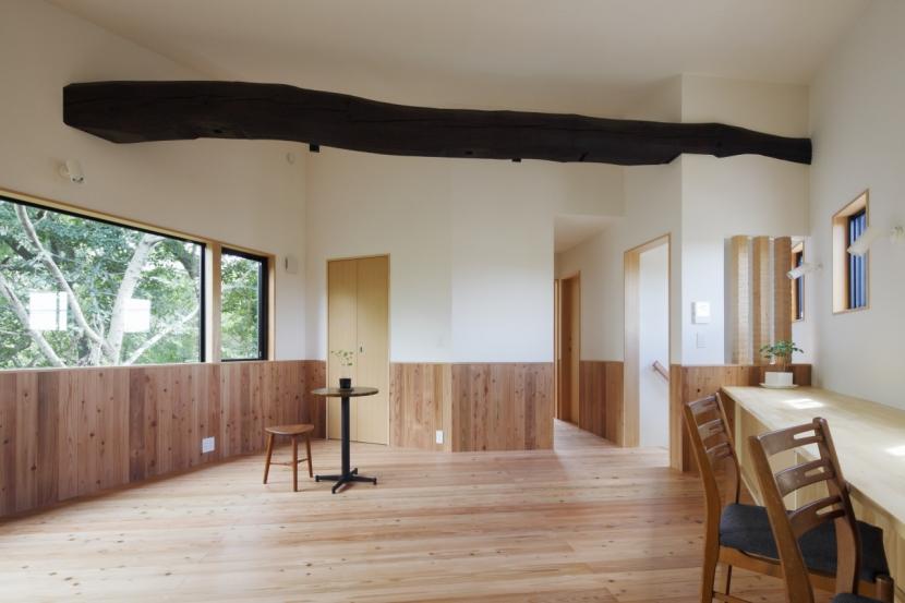 森に浮かぶ家の部屋 LDK1