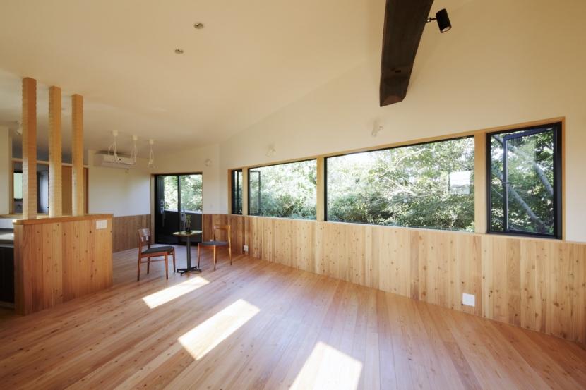 建築家:とりやまあきこ「森に浮かぶ家」