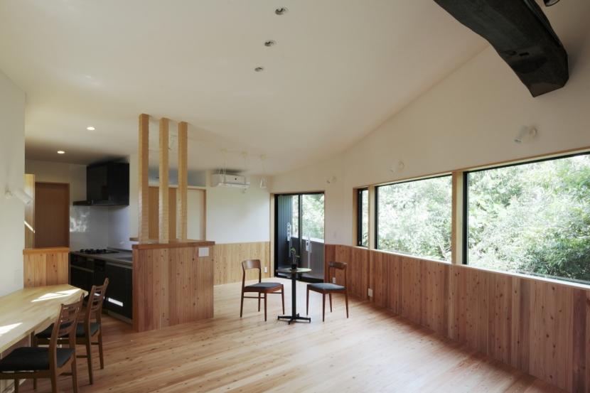 森に浮かぶ家の部屋 LDK4