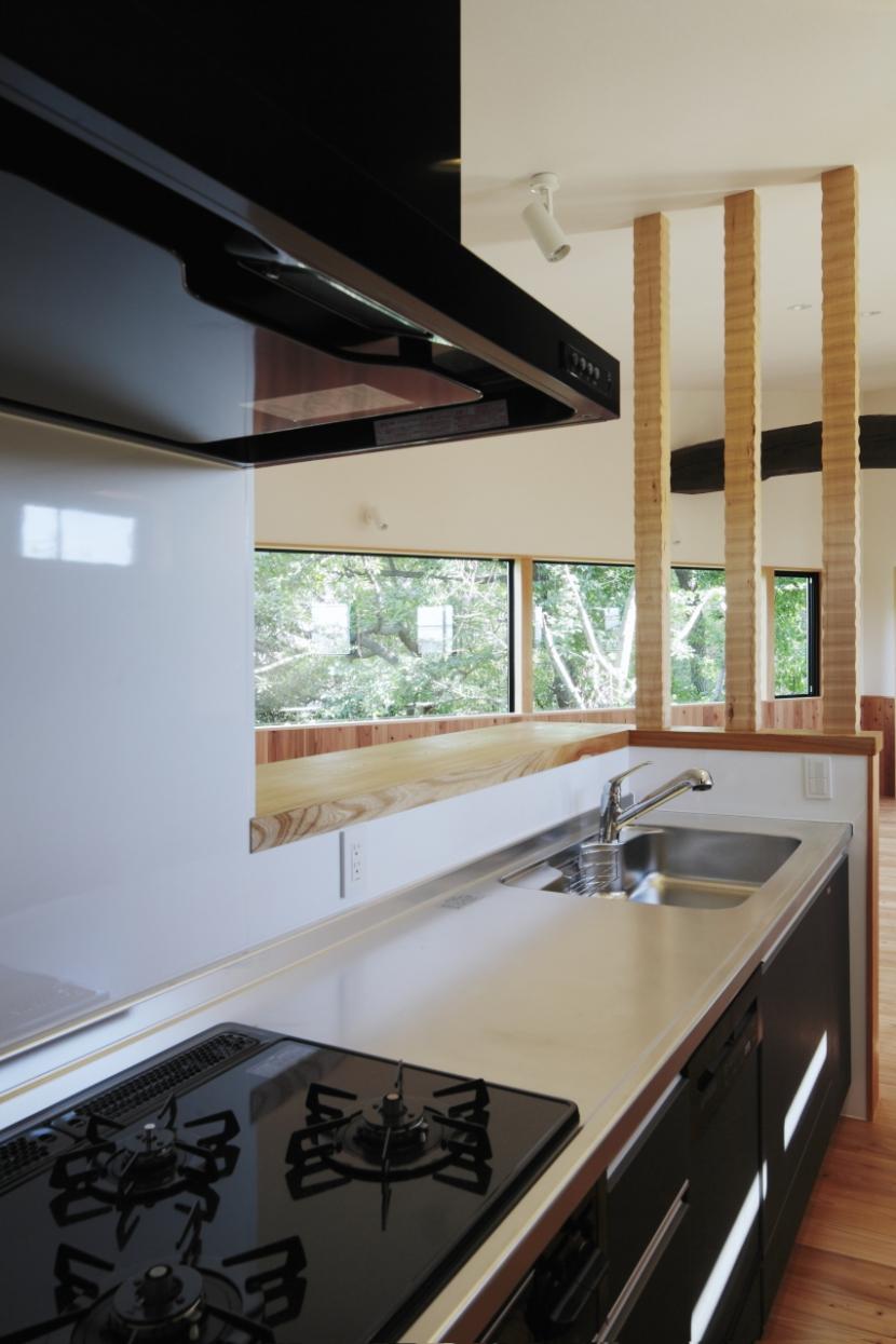 森に浮かぶ家の部屋 キッチン