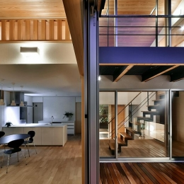 MJ2-house (ウッドデッキと隣接する開放的なLDK)