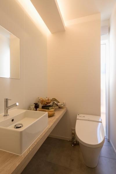 トイレ (仲良し家族がつくる家)