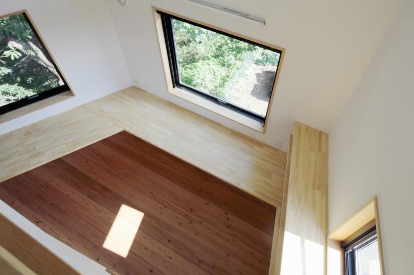 森に浮かぶ家の部屋 子供部屋2