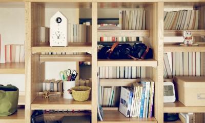 『御器所のマンション K邸』 〜小上がりを使った居場所づくり〜 (本棚)