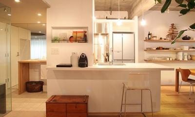HiSAKi—築48年でも、高級スイートルームに (キッチン)