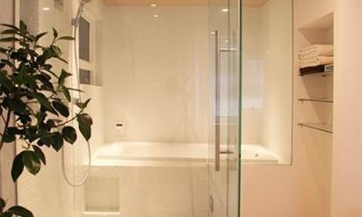 HiSAKi—築48年でも、高級スイートルームに (バスルーム)