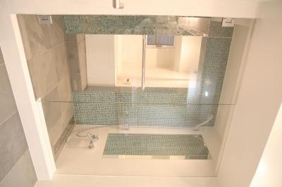 バスルーム (DM ー1万枚のCD収納)