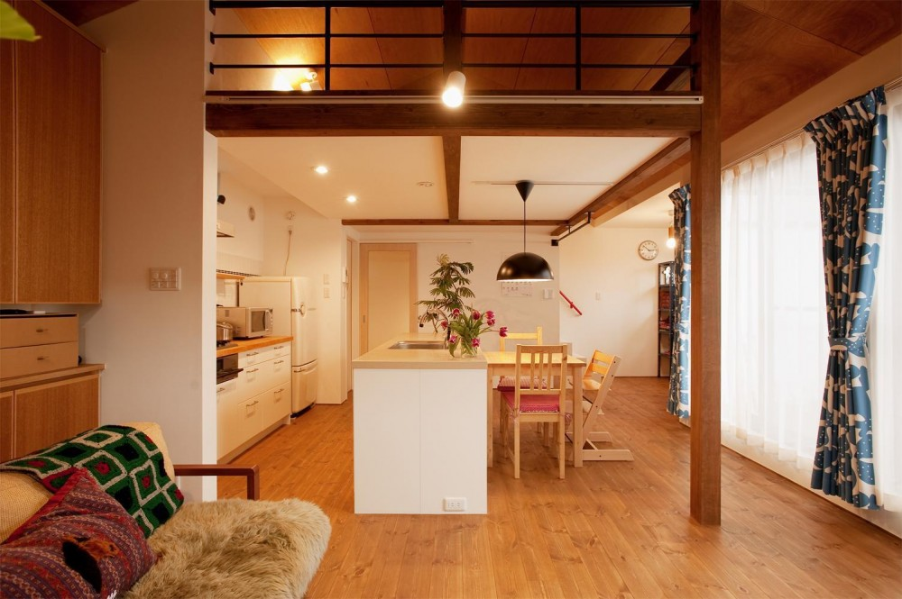 K邸・古いお家を思い切り楽しむ。光あふれる元気な住まい (地震対策には制振装置を)