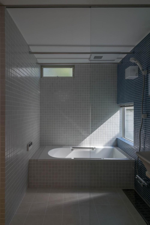 通り庭の家 (浴室・洗面・トイレ)