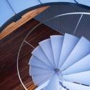 k-houseの写真 屋根へと上がる螺旋階段