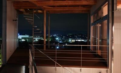 k-house (借景を楽しめる開放的なコート (夜景))