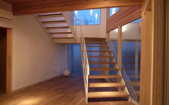 k-houseの部屋 オープン型階段