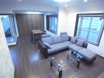 ペントハウスをフルリノベーション!!都内でも希少なマンションに仕上がりました (葛飾の一等地に建つ最上階、一部屋(ペントハウス)の魅力あふれるリノベーションマンション)