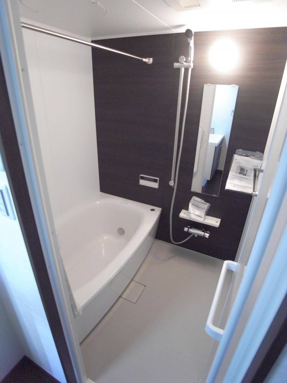 葛飾の一等地に建つ最上階、一部屋(ペントハウス)の魅力あふれるリノベーションマンション (浴室も近代的に造り直ししました)