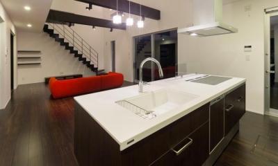 デザインにこだわったシンプルモダン住宅 (キッチン)