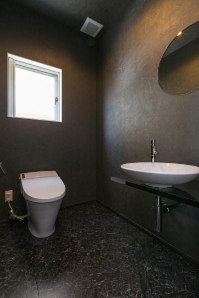 デザインにこだわったシンプルモダン住宅 (トイレ)
