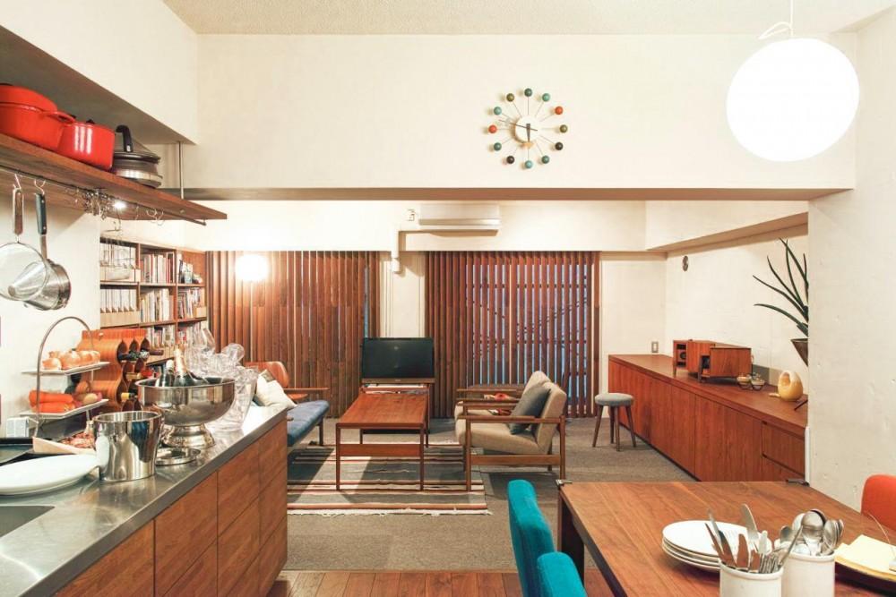 Jiuba—キッチンを中心に仲間が集まる30畳のLDK (リビングダイニング)