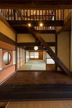 古民家改修プロジェクトの部屋 吹き抜け・和室