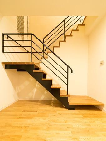 森xイエの部屋 階段
