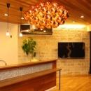 森xイエの写真 明かりの灯ったキッチン・リビング