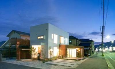 外観 (夕景)|cross road HOUSE