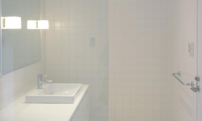 ミニマルバスルーム|木造住宅2階の洗面浴室のリフォーム|