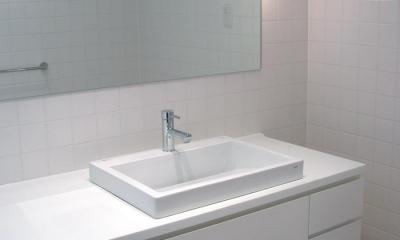 洗面 バスルーム|ミニマルバスルーム|木造住宅2階の洗面浴室のリフォーム|