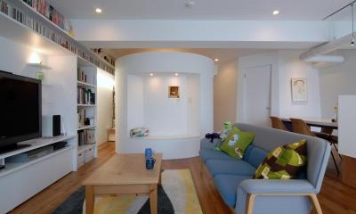 SHAPES—丸・三角・四角の空間を備えた部屋