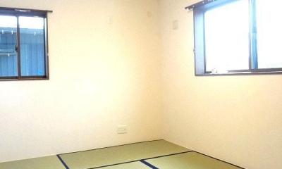 リビング和室で家族が笑顔でくつろぐ暮らし (2階和室)