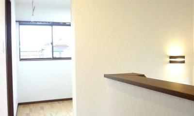 リビング和室で家族が笑顔でくつろぐ暮らし (2階ホール①)