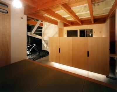 寝室~土間 (28坪の大きな家)