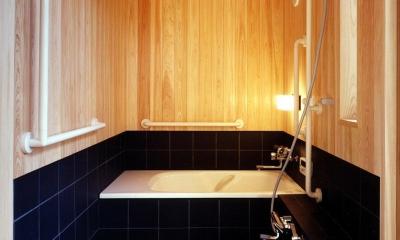木造スケルトンの家 (浴室)