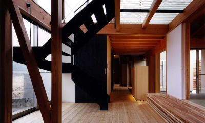 木造スケルトンの家 (階段)