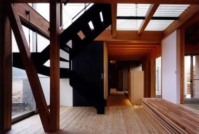 階段 (木造スケルトンの家)