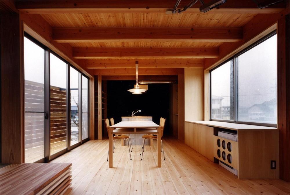 木造スケルトンの家 (ダイニング)